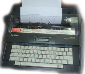 máy đánh chữ Brother AX-525
